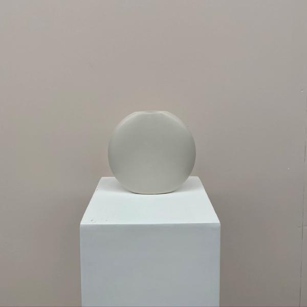 oval-vase